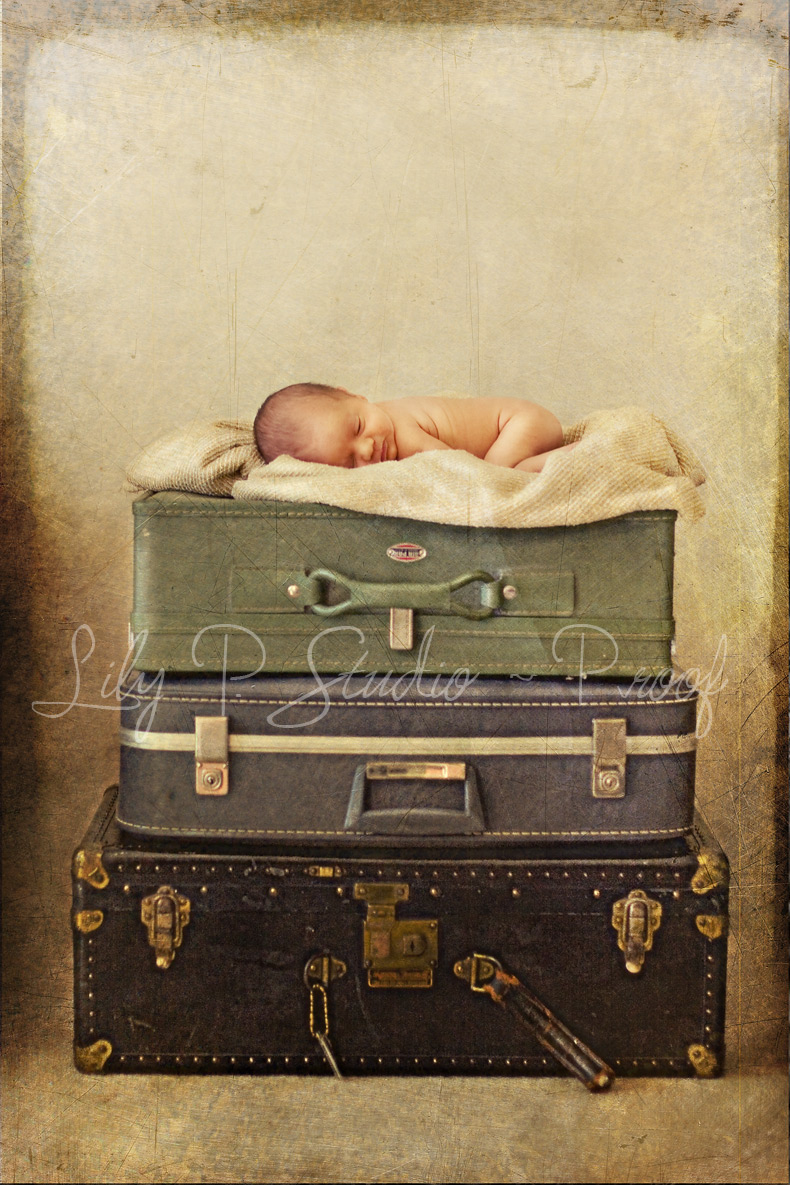 Creative-Newborn-Portrait